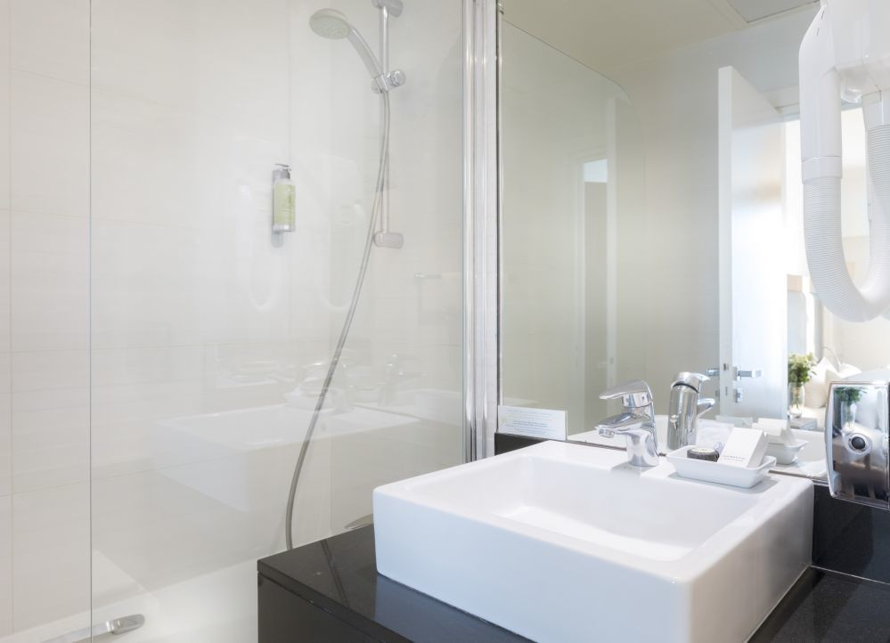 Hotel Elysees Ceramic Paris ® - Double Room - Official Site